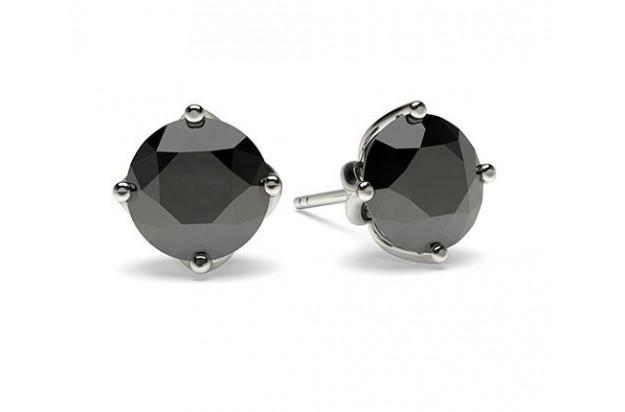 Offrez des boucles d'oreilles en diamant pour Noël