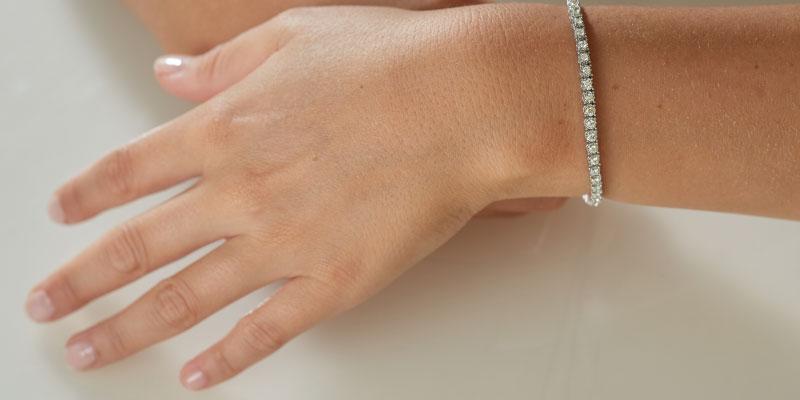 Qu'est-ce qu'un bracelet rivière en diamant?