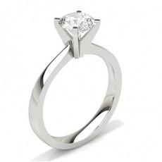 Bague de fiançailles standard solitaire diamant serti 4 griffes carrées