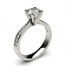 Bague de fiançailles large solitaire épaulé diamant serti 4 griffes carrées et pavé