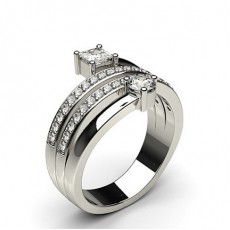 Bague fantaisie diamant rond/princesse serti 3 griffes et pavé en 0.40ct