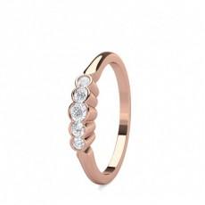 Bague illusion diamant rond serti 4 griffes et pavé en 0.40ct